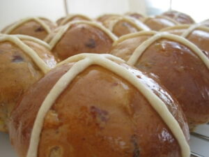 Learn to Make Hot Cross Buns